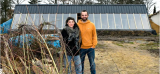 **?BB La belle histoire - Un couple construit une atypique maison à partir de pneus usagés, à Ligny-le-Ribault (Loiret)